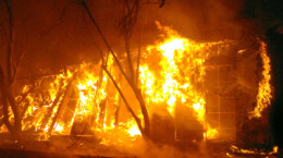 Bomba Israel extingue fuego al interior de Universidad de Chile, Sede Profesor Juan Gómez Millas